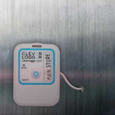 CleverLogger-with-External-Probe-on-cool-room